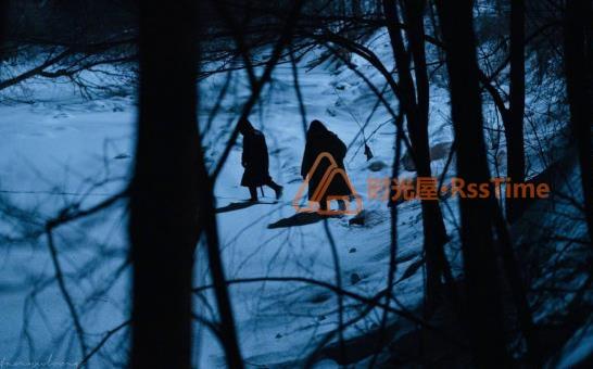 《驯鹿》正式杀青,日前发布片场照。-时光屋