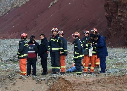 甘肃山地马拉松事故只21人遇难!-时光屋